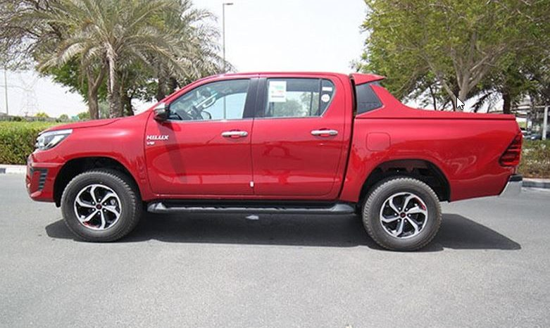 2020 Toyota Hilux Double Cab SR5 TRD Version full
