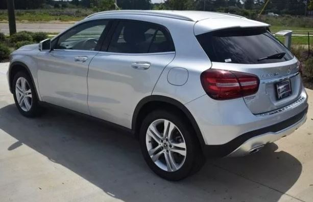 2019 Mercedes-Benz GLA 250 Base 4MATIC full